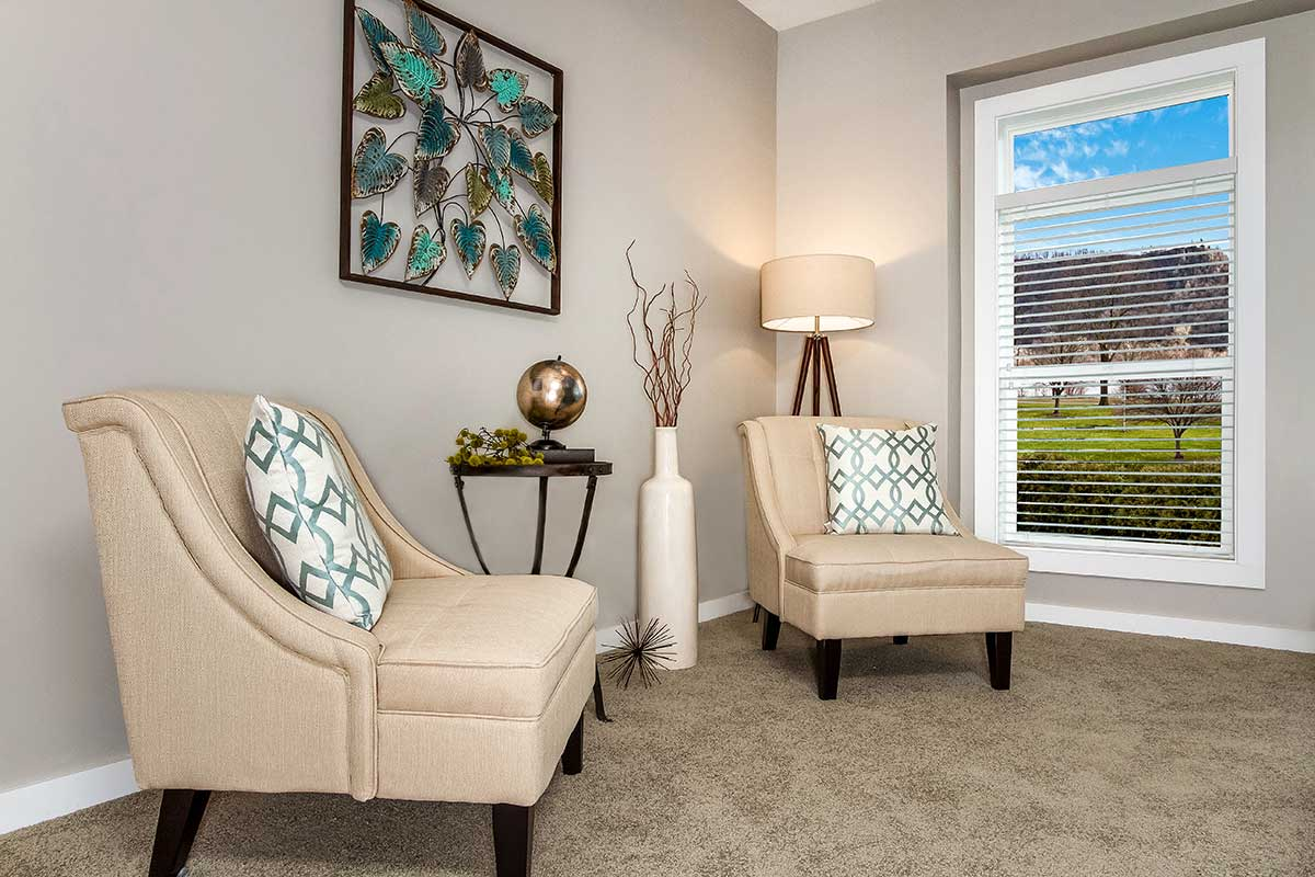 lot-model-home-1-sitting-area